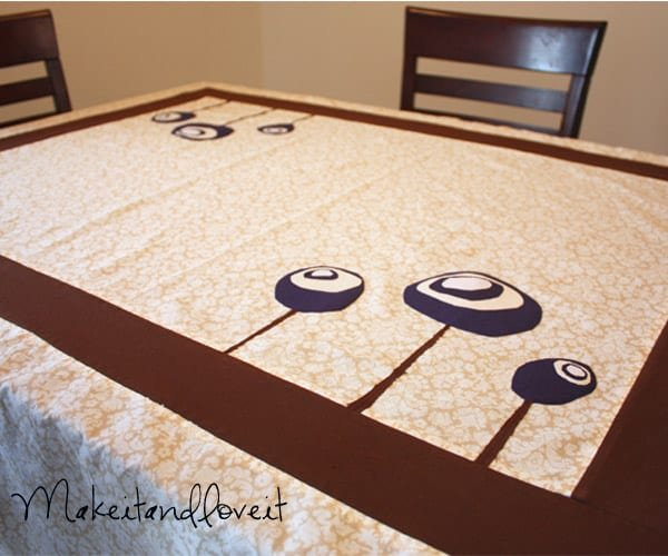 Quilt -like tablecloth