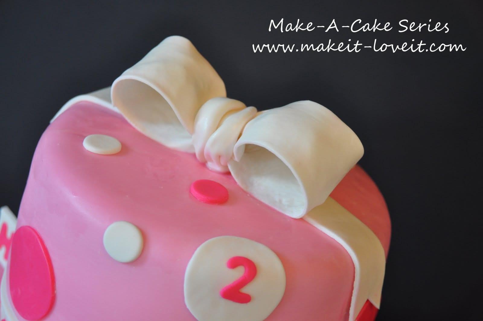 Make-a-Cake Series: Gumpaste Bow, Part II
