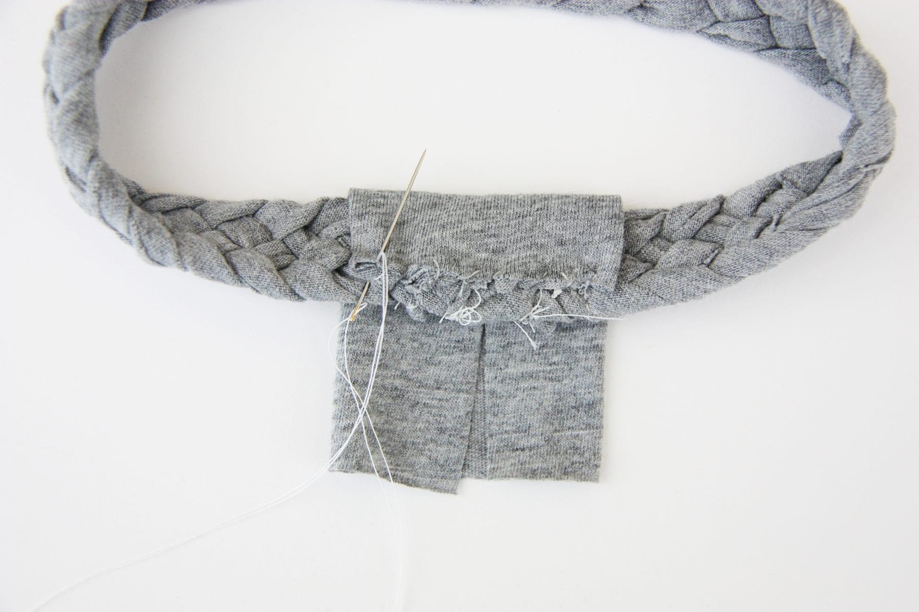 เสื้อยืดใช้แล้ว ทำที่คาดผม,เปียห้าเส้น,ผ้าคาดผม ทำเอง ง่าย,ทำที่คาดผมน่ารักเอง