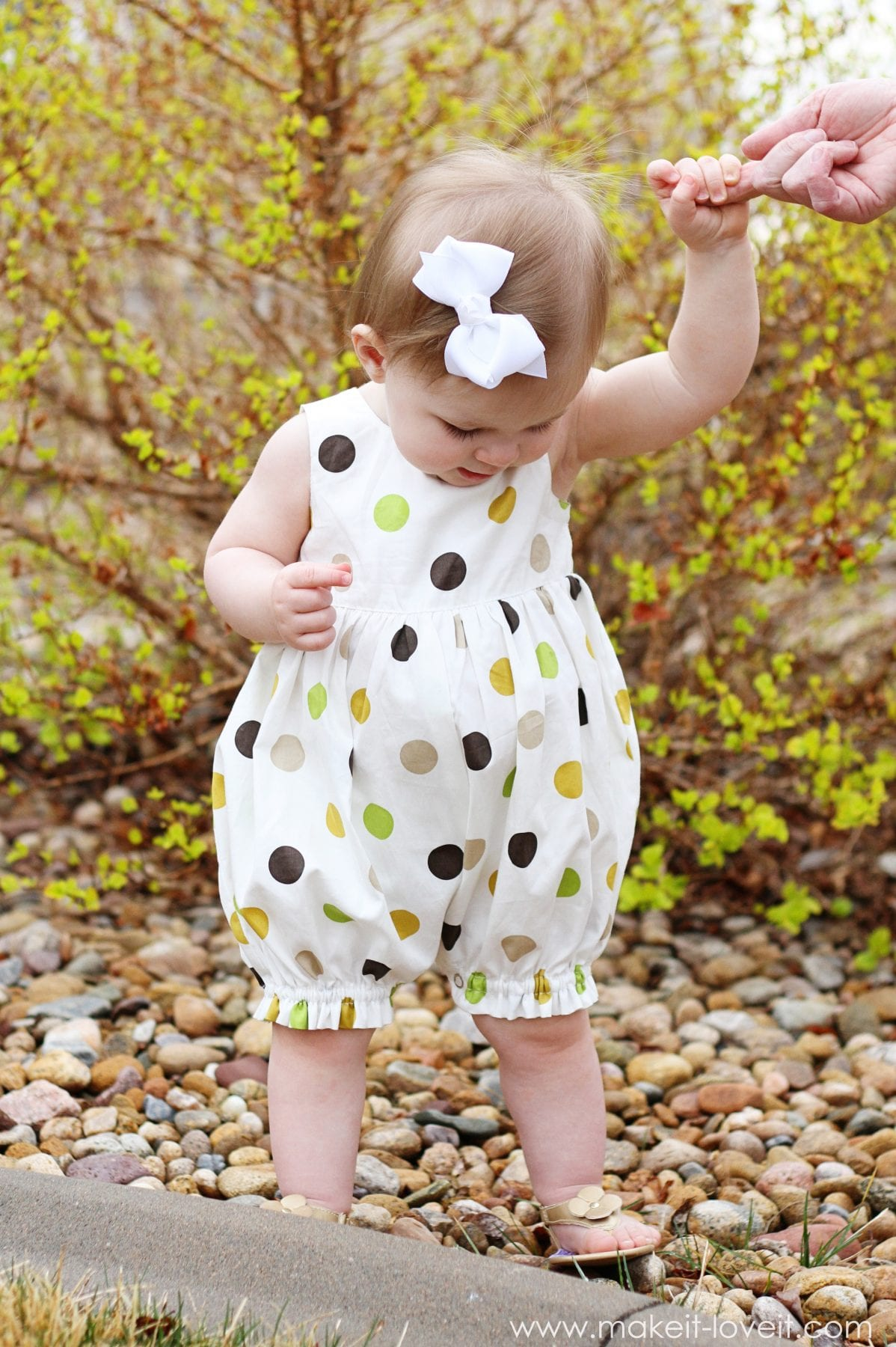 Turn a baby dress into a bubble romper