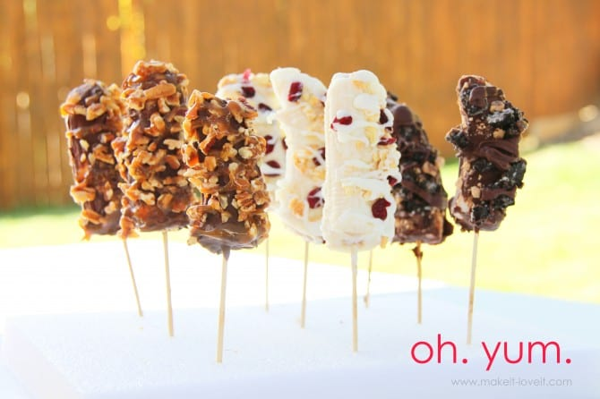 Frozen bananas {covered in chocolatey goodness}