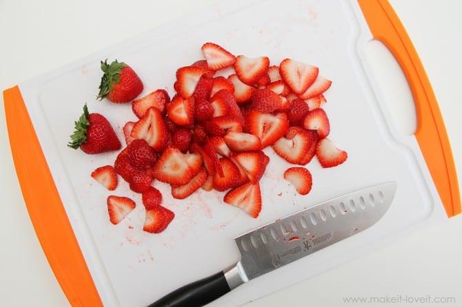 Cream cheese strawberry pretzel dessert (oh yum!!)