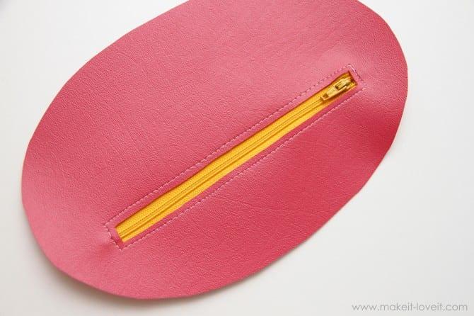 Zipper mouth pencil case {girl version}