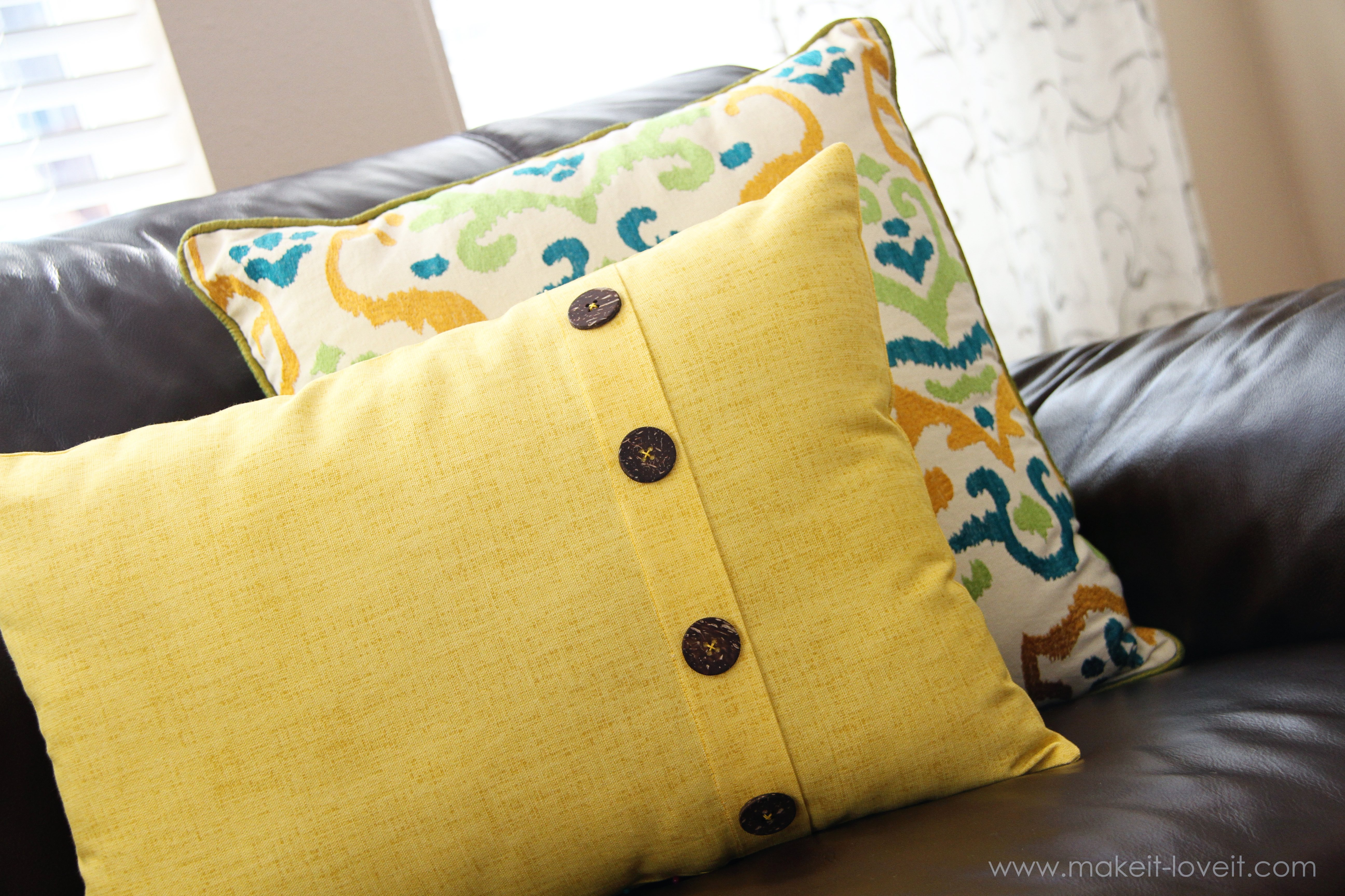 fold-over button pillow (home decor) | make it and love it Couch Pillow Patterns