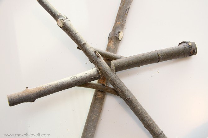 Twig & branch snowflake….a nice and earthy piece of winter decor
