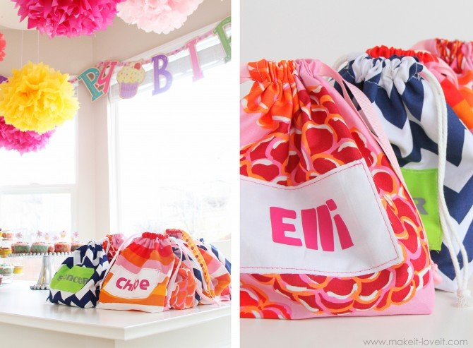 Goody bag cinch sacks {hey…use up some of that scrap fabric}