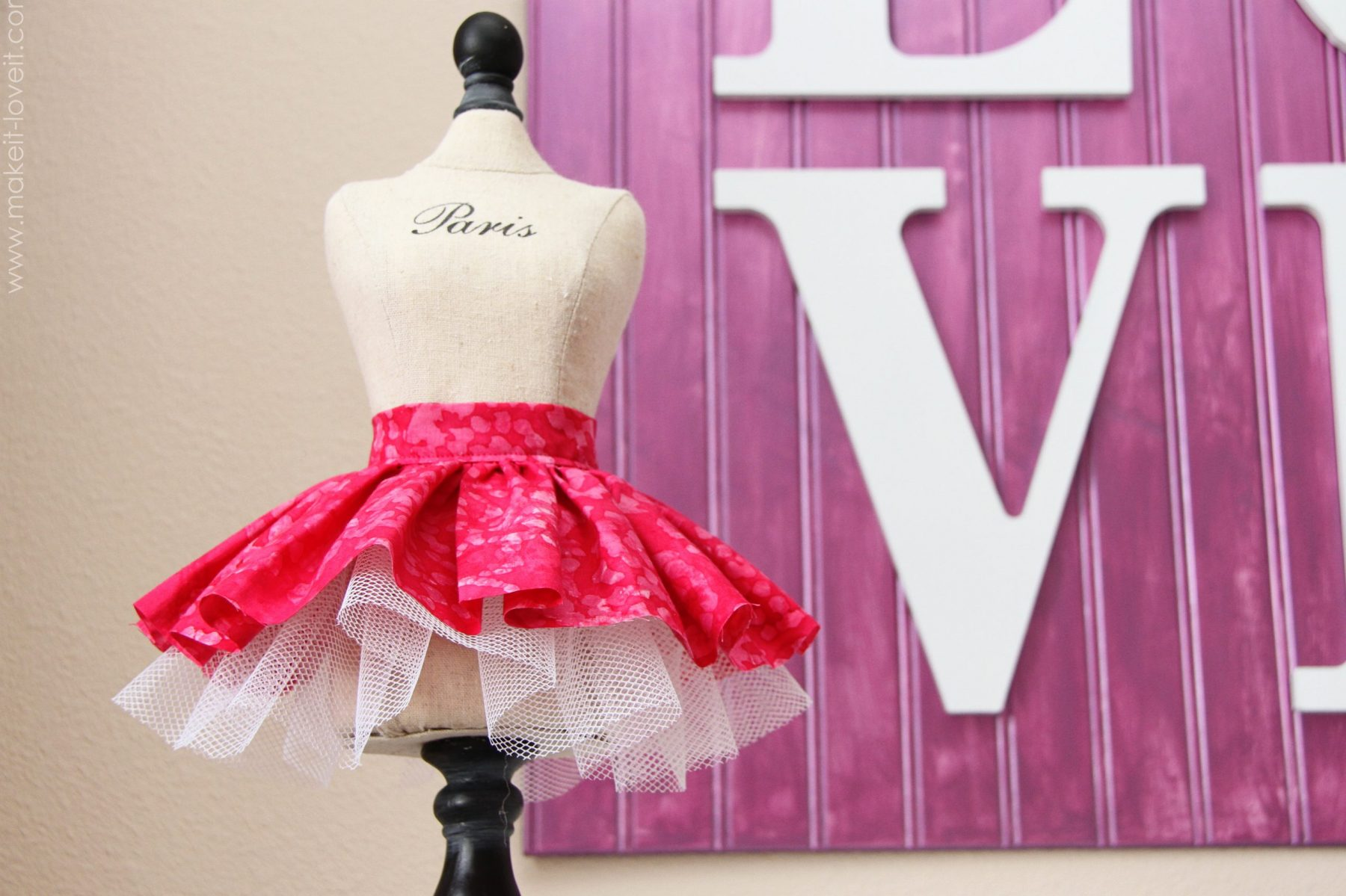 Fabric/tulle skirt……for dolls and decor