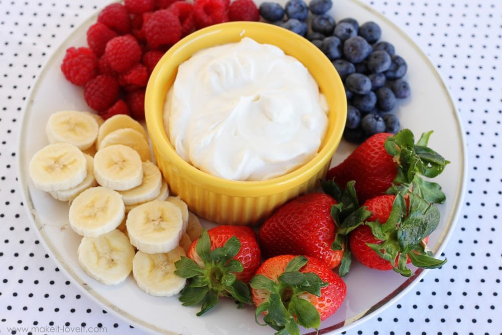 Creamy Greek Yogurt Fruit Dip