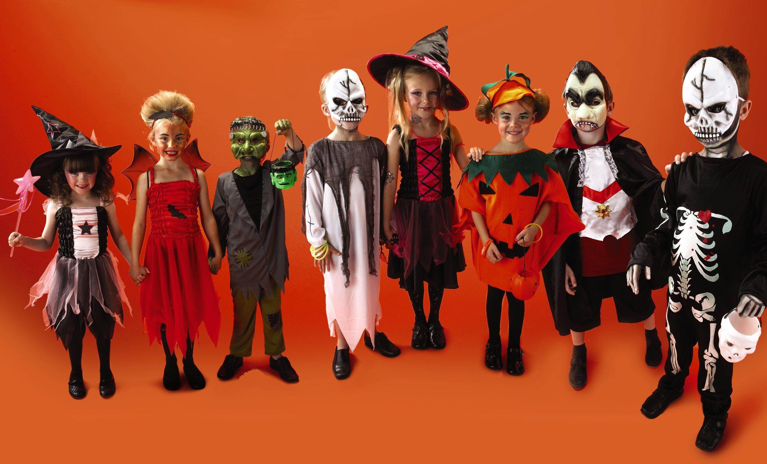 halloween-costumes-from-aldi