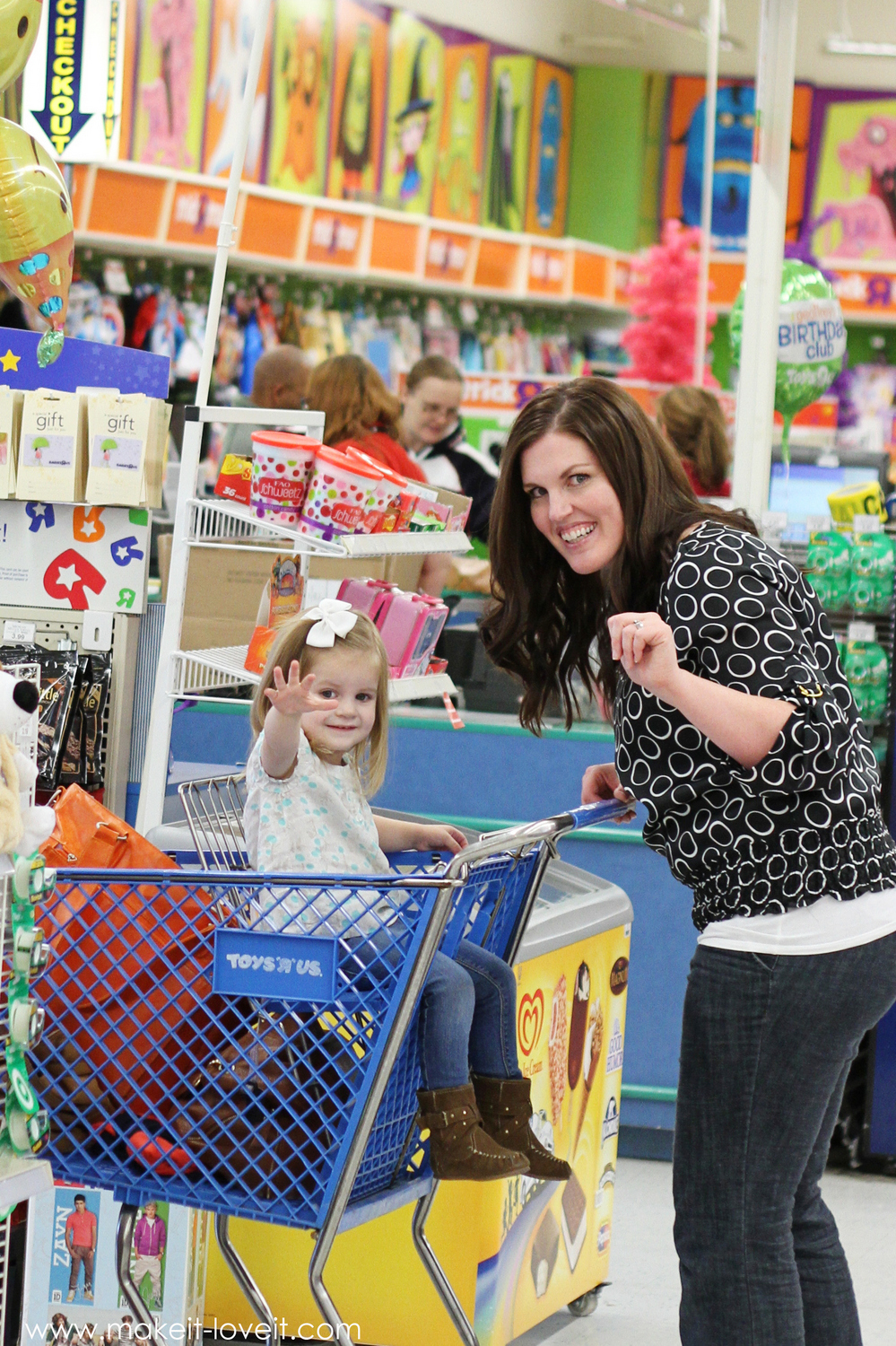 A little shopping trip with pampers and babies 'r' us…..and a giveaway!!