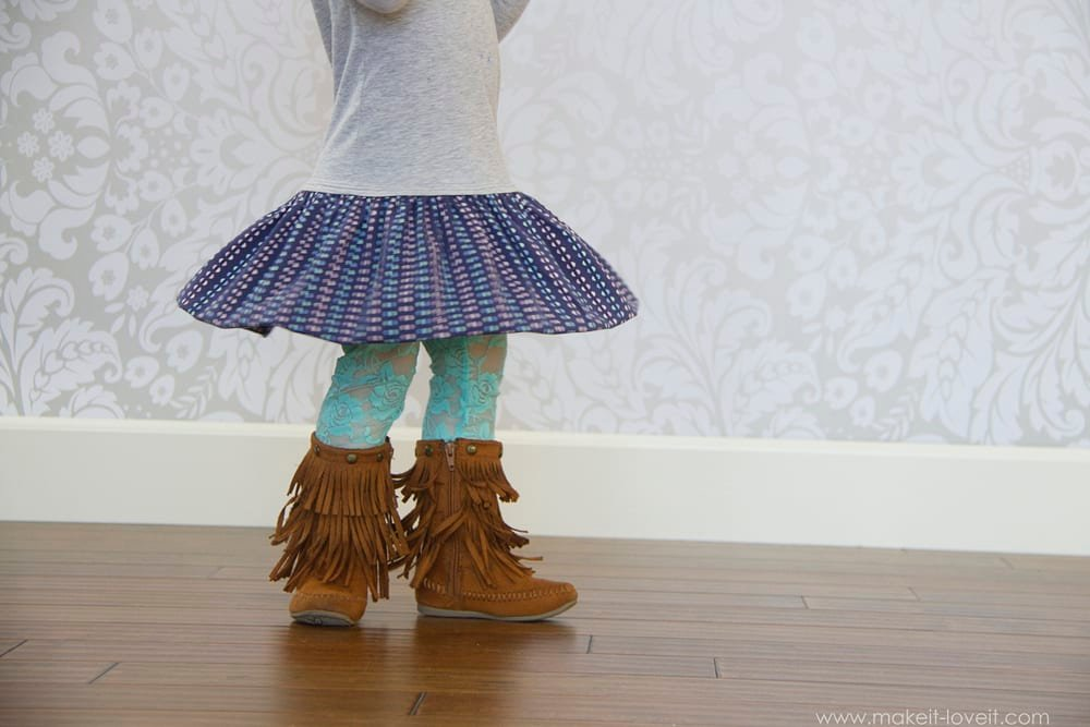 Turn a t-shirt into a 'Peter Pan Collar Bubble Dress'. A great playdress! --- Make It and Love It