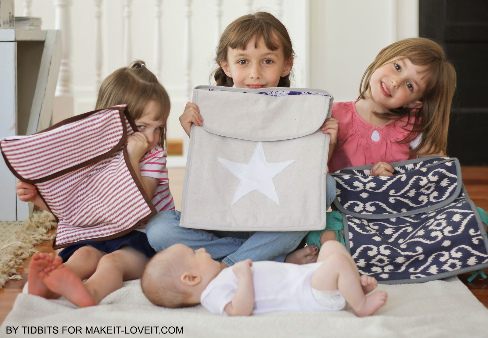 """The Double """"Doodie"""" Bag (a wipe-able diapering """"wet"""" bag)...keeps baby diaper messes contained! --- Make It and Love It"""