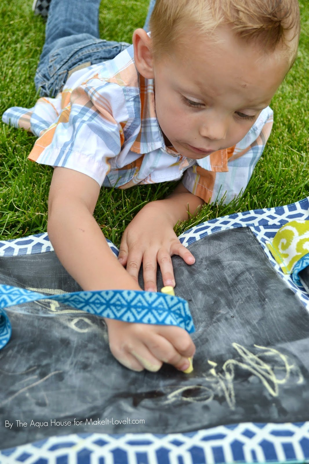 DIY Take-Along Chalk Mat...for kids!! --- Make It and Love It
