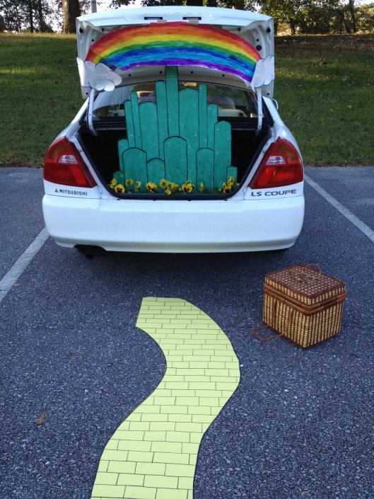 Simple Trunk Or Treat Ideas For Cars