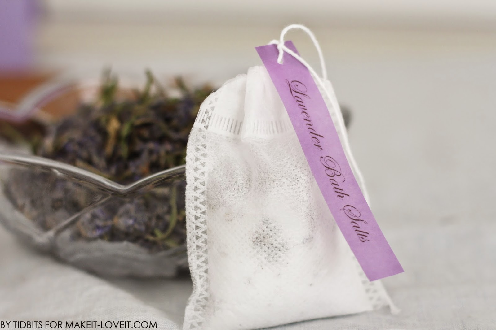 """Host a """"Make your own BATH SALT SOAKS in a TEA BAG"""" Spa Party.....plus free printables! --- Make It and Love It"""