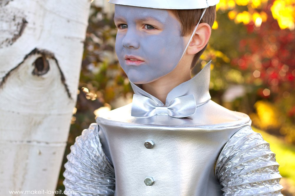 The tin man om wizard of oz make it and love it diy tin man costume from wizard of oz via make it and love solutioingenieria Gallery