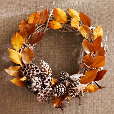 1 leaf and pinecone wreath
