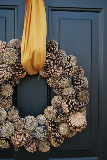 1 pinecone wreath