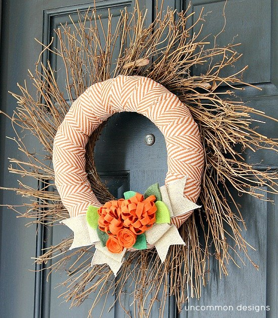 1Fall_wreath_with_fabric_and_felt_flowers