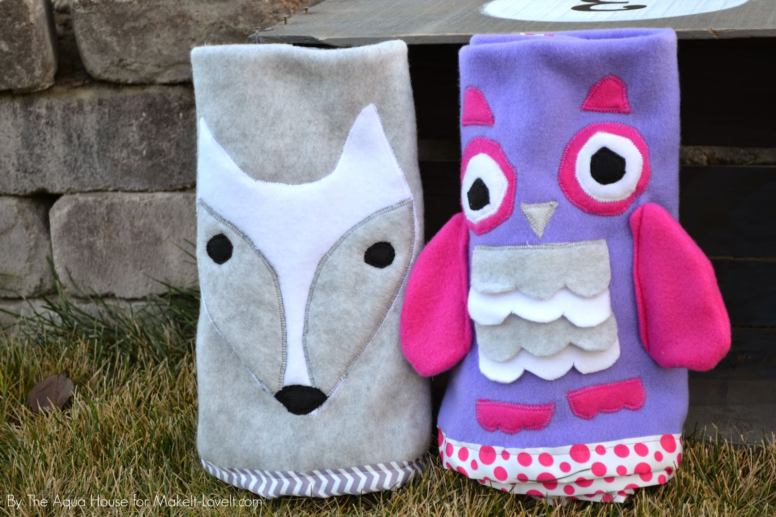 DIY Animal Roll-Up Blankets...a quick and simple gift! | via Make It and Love It