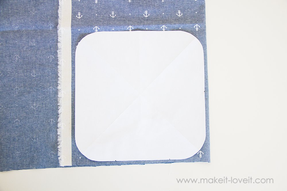 Square hot pad with hand pocket tutorial (1)