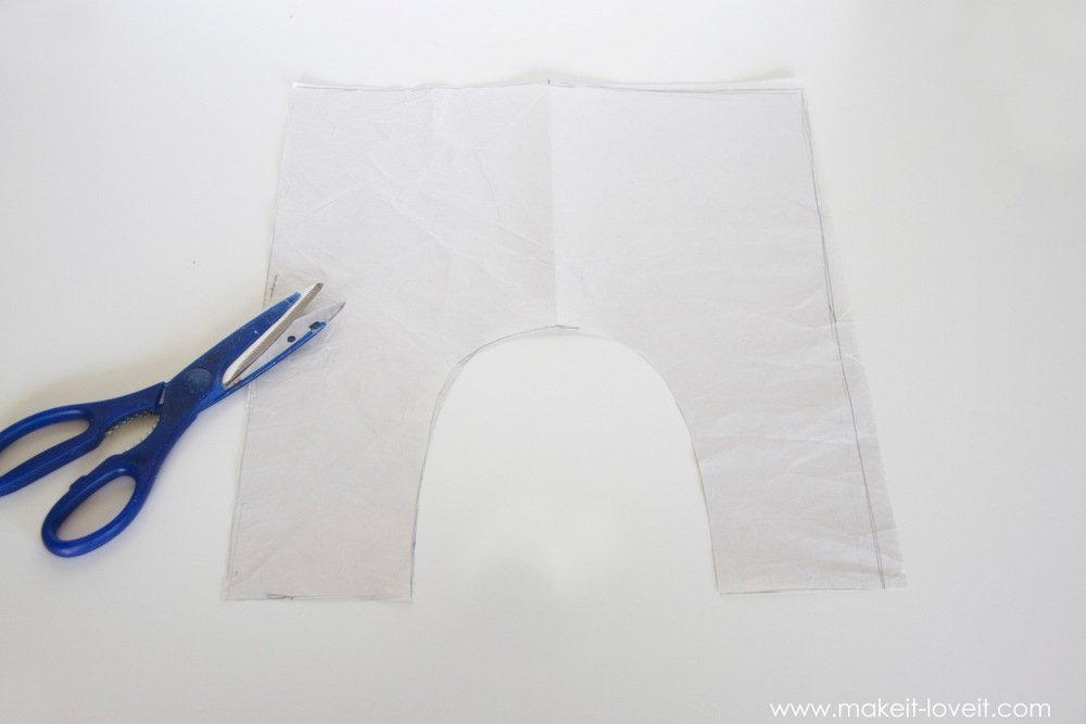 simple-DIY-baby-boho-leggings-from-a-tshirt-13
