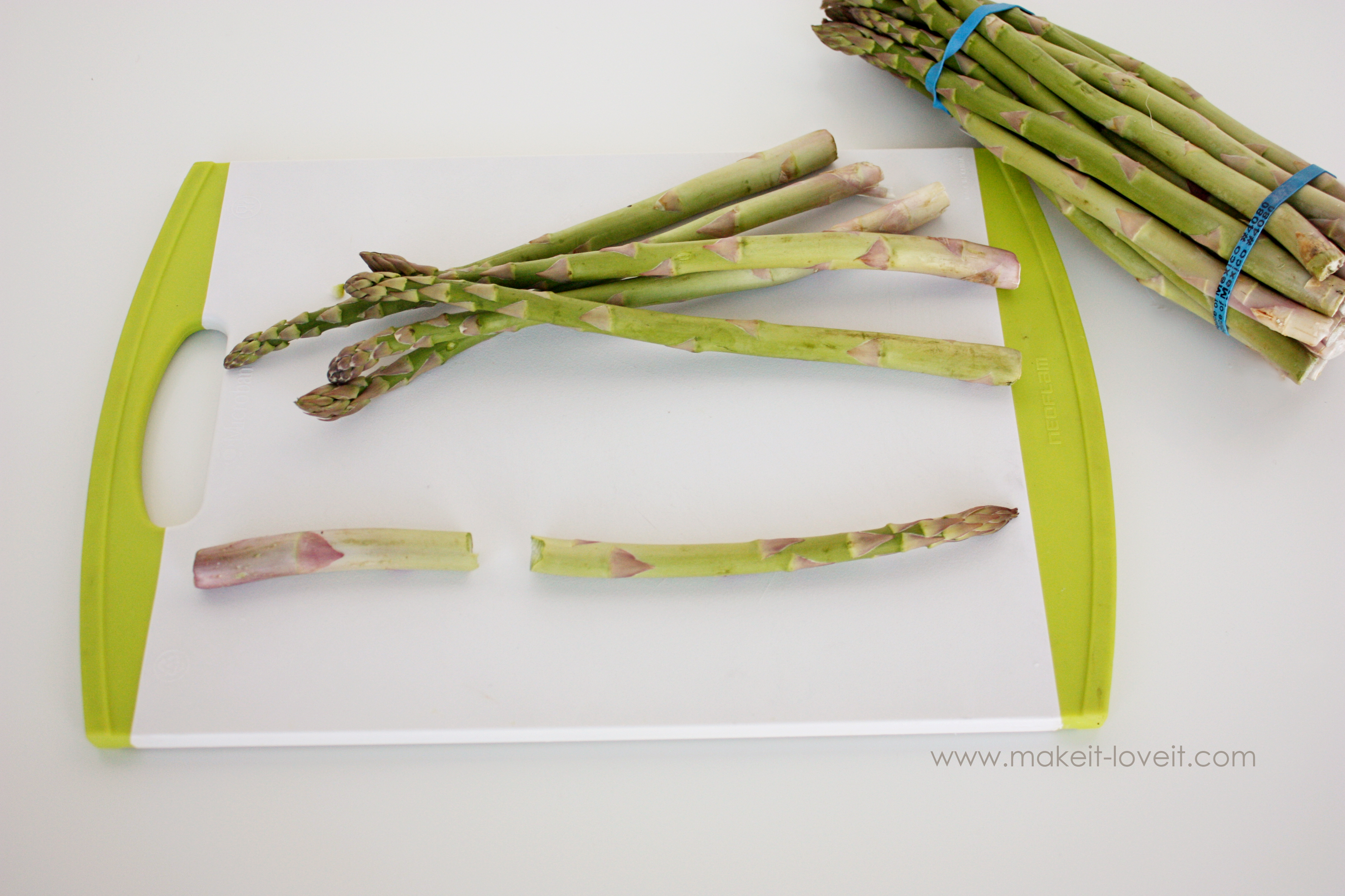 How to Properly Cut and Prepare Asparagus (6)