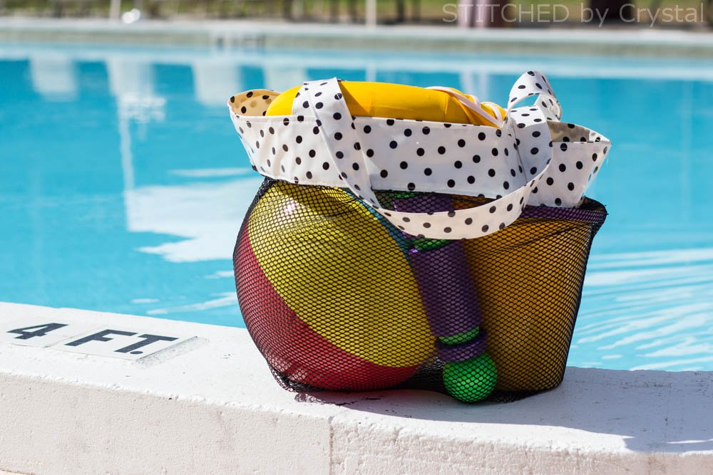 DIY Mesh Bag for Pool and Beach Toys | via Make It and Love It