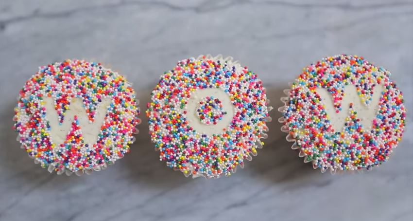 Fun ways to decorate store bought cupcakes