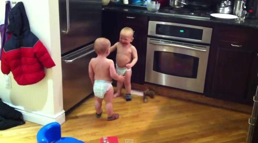 These twins are just too cute!