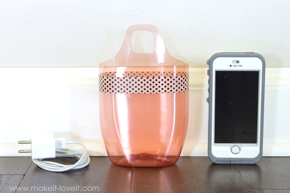Charging Cell Phone Holder (...from a plastic bottle) | via Make It and Love It