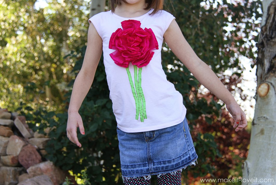 ribbon-flower-on-tshirt