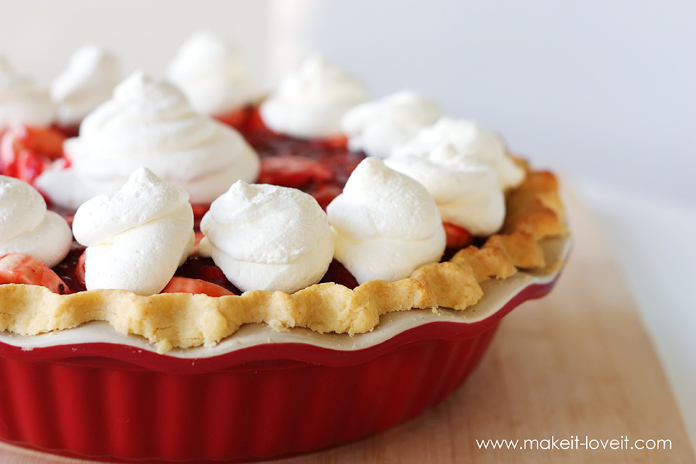 Fresh Berry and Fruit Pie (...Gluten Free version included) | via Make It and Love It