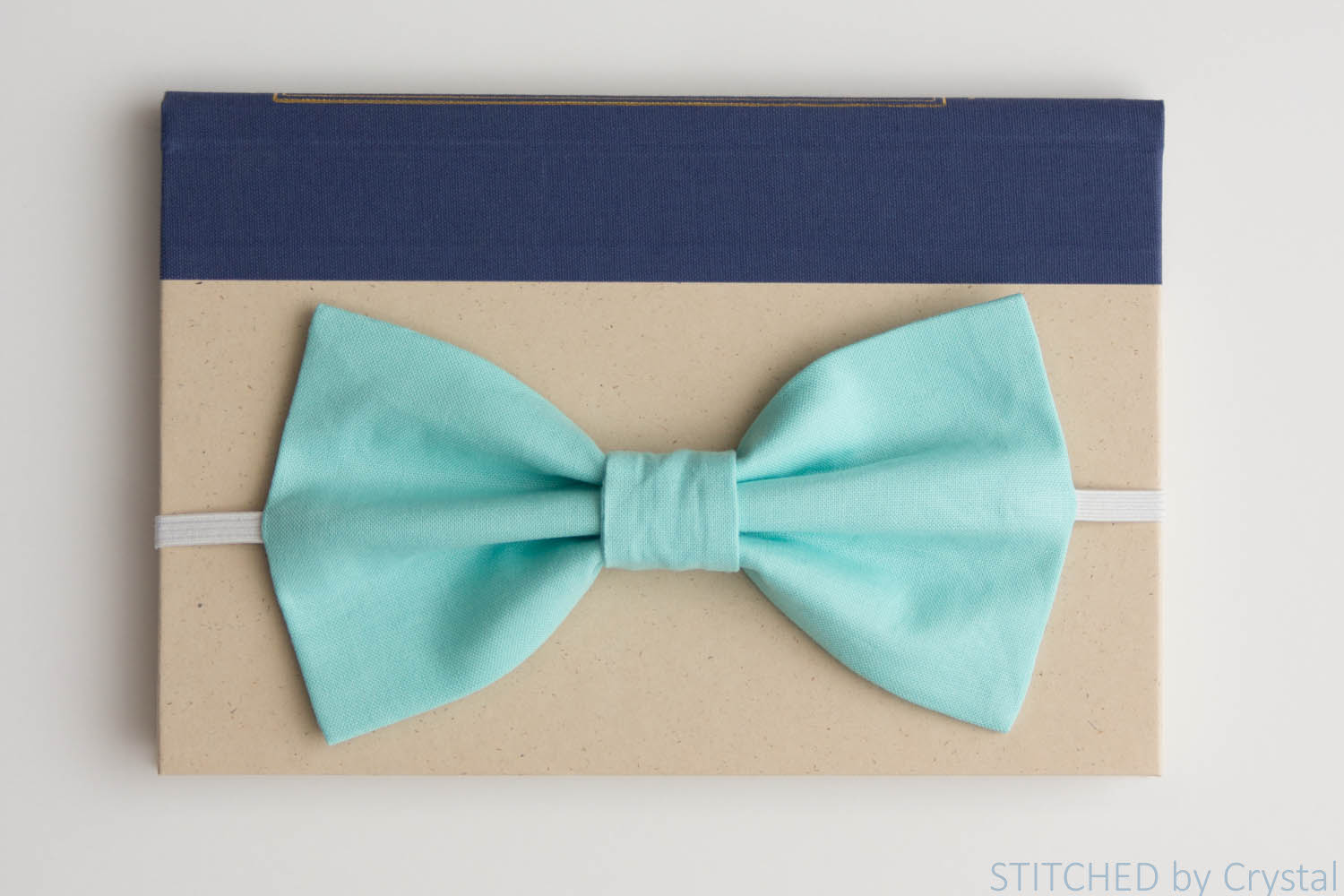 Sew a Big Bow Bookmark....a pretty page saver! | via Make It and Love It