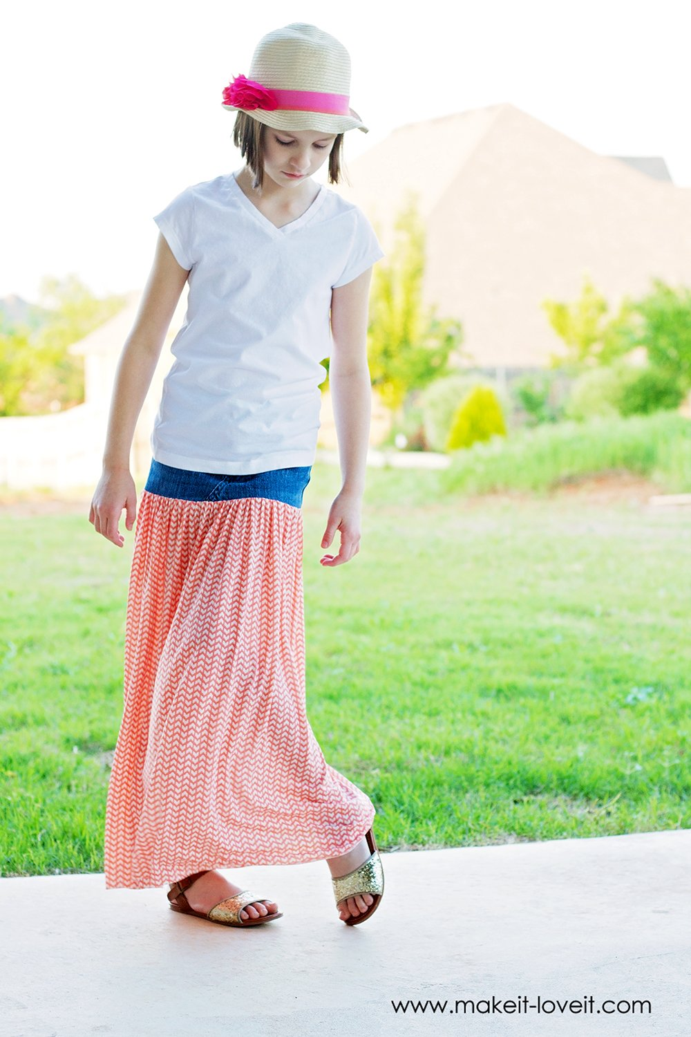 turn-old-jeans-into-a-maxi-skirt-3