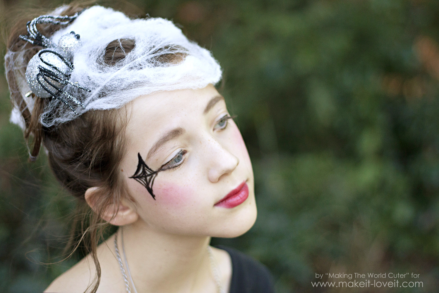 DIY Spider Costume for Tweens/Teens (or any age, really!)   via Make it and Love it