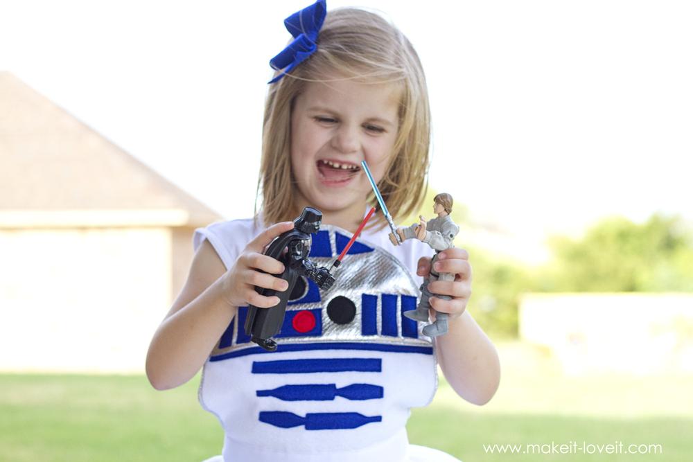 DIY Star Wars R2-D2 Dress Costume FOR GIRLS | via Make It and Love It