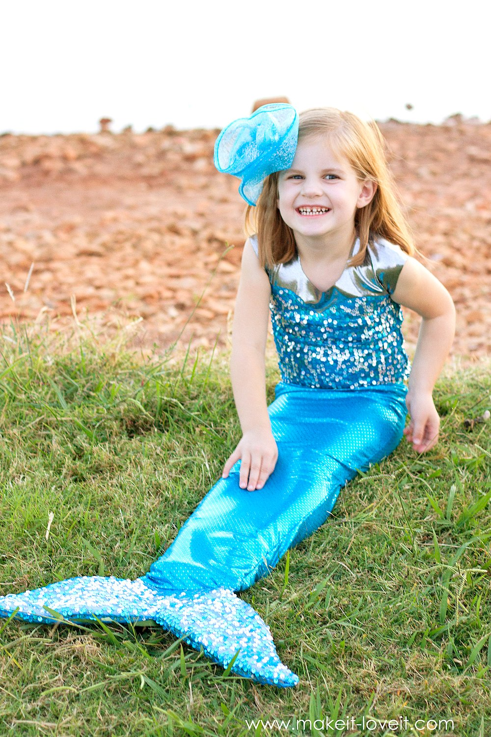 Diy mermaid costume…with a repositionable fin!