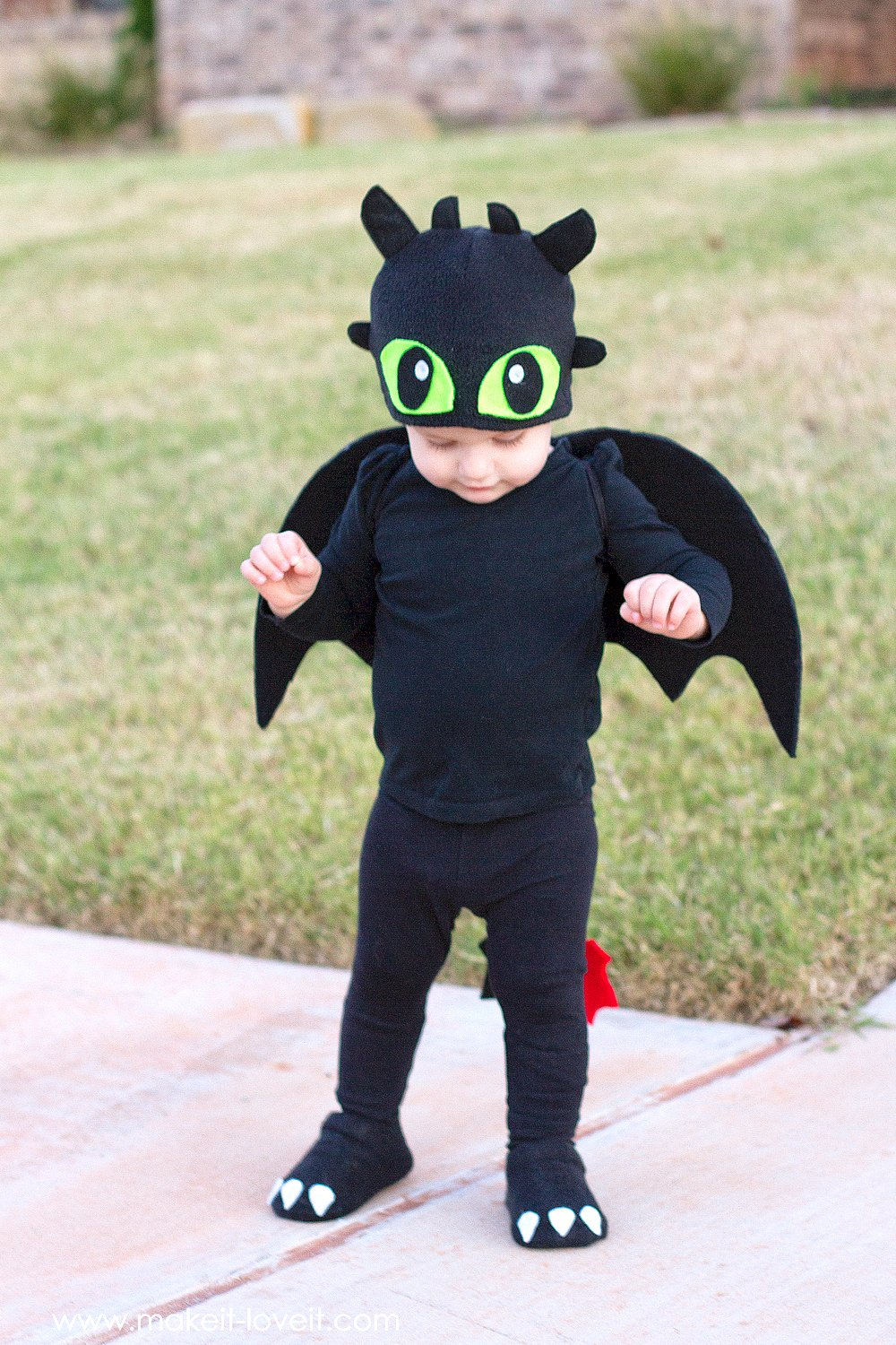 Homemade Halloween Costume Ideas. There are many commercial costumes available at the local stores, however between the cost, and lack of imagination, and the fact you end up with a half dozen kids all looking the same at a party.