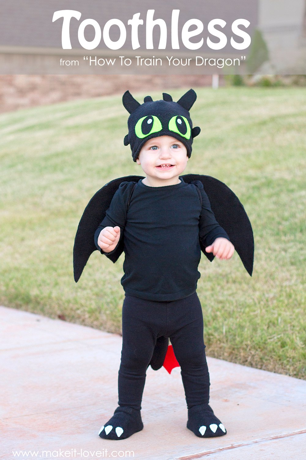 """A simple DIY Toothless Costume...from """"How To Train Your Dragon"""" 