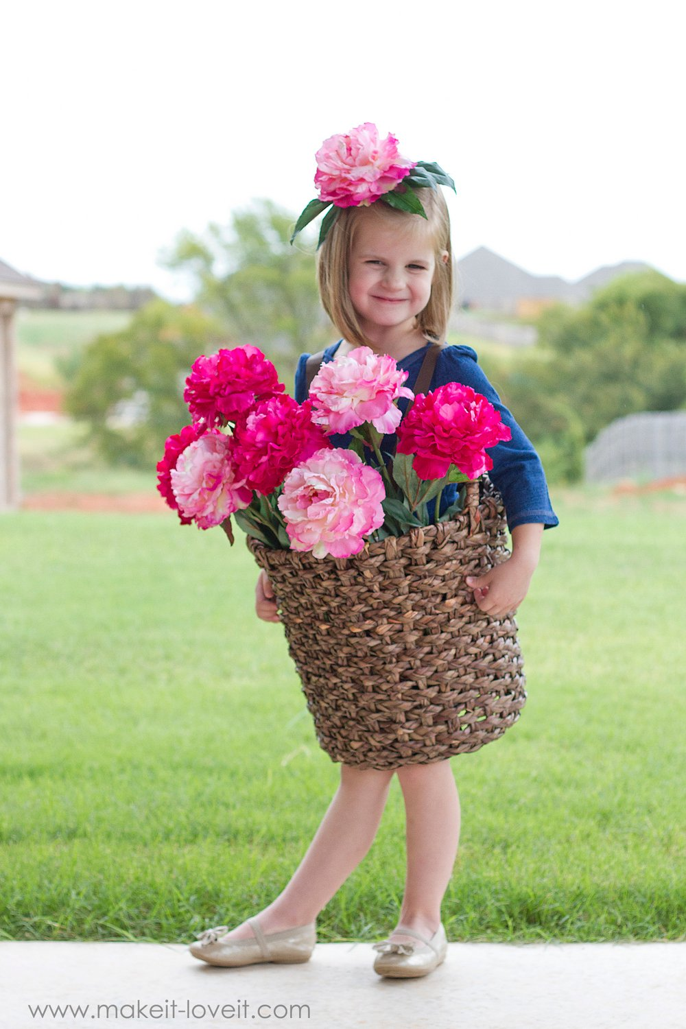 DIY Flower Basket Costume...quick, unique, and fun for all ages! | via Make It and Love It