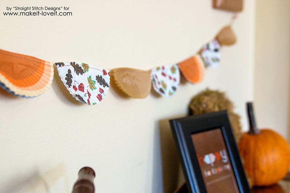 Thanksgiving Bunting Bannerfrom Cupcake Liners