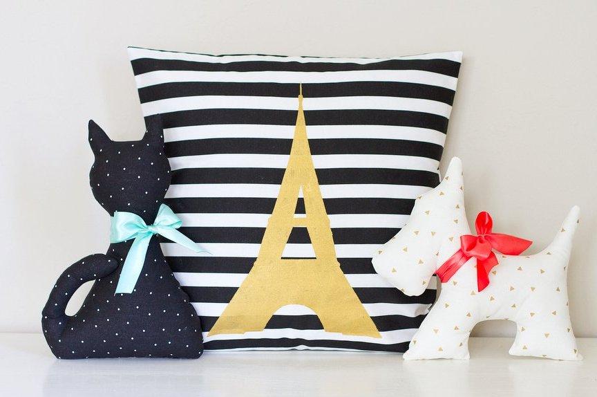 Stuffed-Cat-Stuffed-Dog-and-Stenciled-Pillow-11