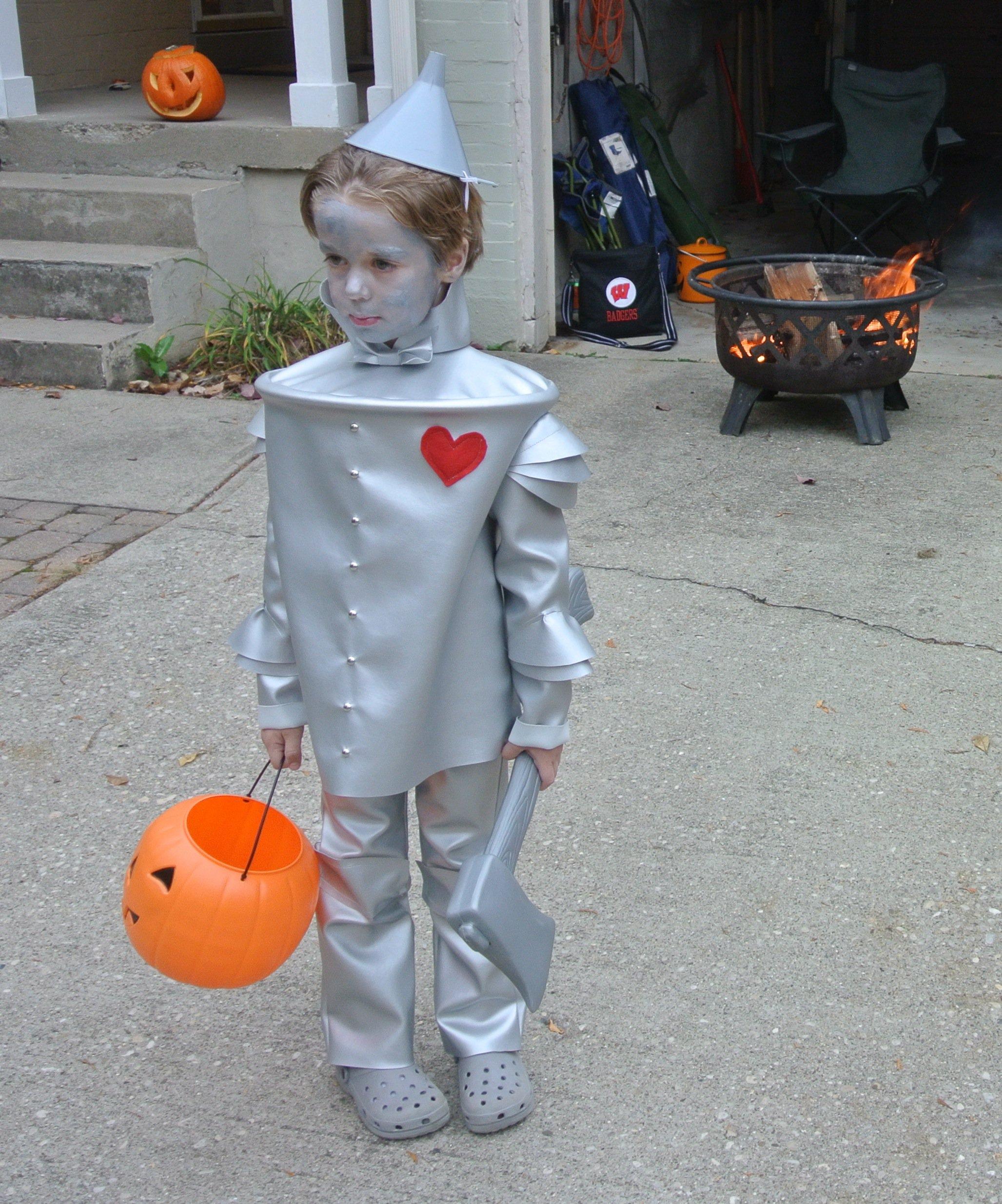 image  sc 1 st  Makeit-Loveit & Virtual Handmade Halloween Costume Parade 2015 | Make It and Love It