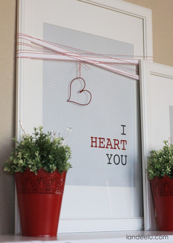 Easy-Valentines-Day-Mantel-Decor-e1390350841169