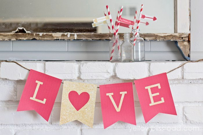 Free-Printable-LOVE-Valentine-Banner-in-Red-and-Gold-Glitter