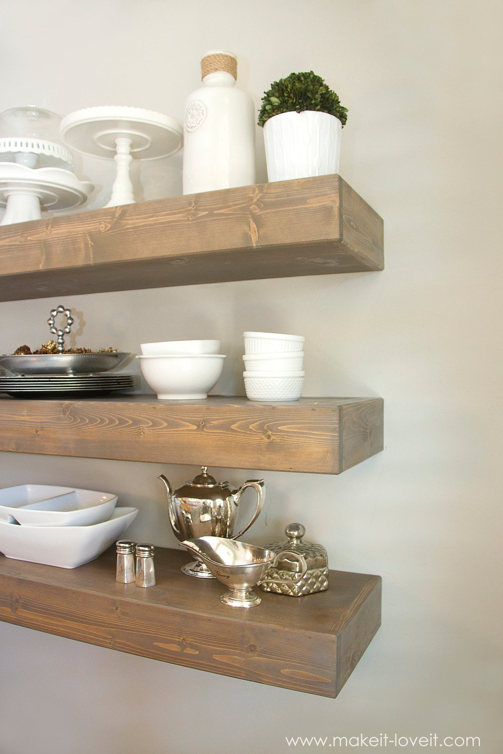 How to Build SIMPLE FLOATING SHELVES (...for any room in ...