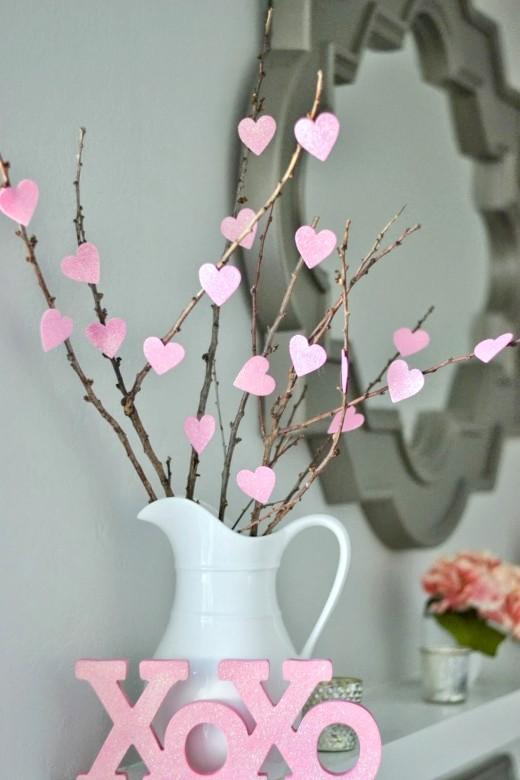 Valentines-Decorations-DIY-heart-tree-520x780