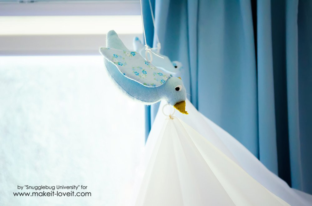 Easy DIY Bird Canopy For Your Bed (1)