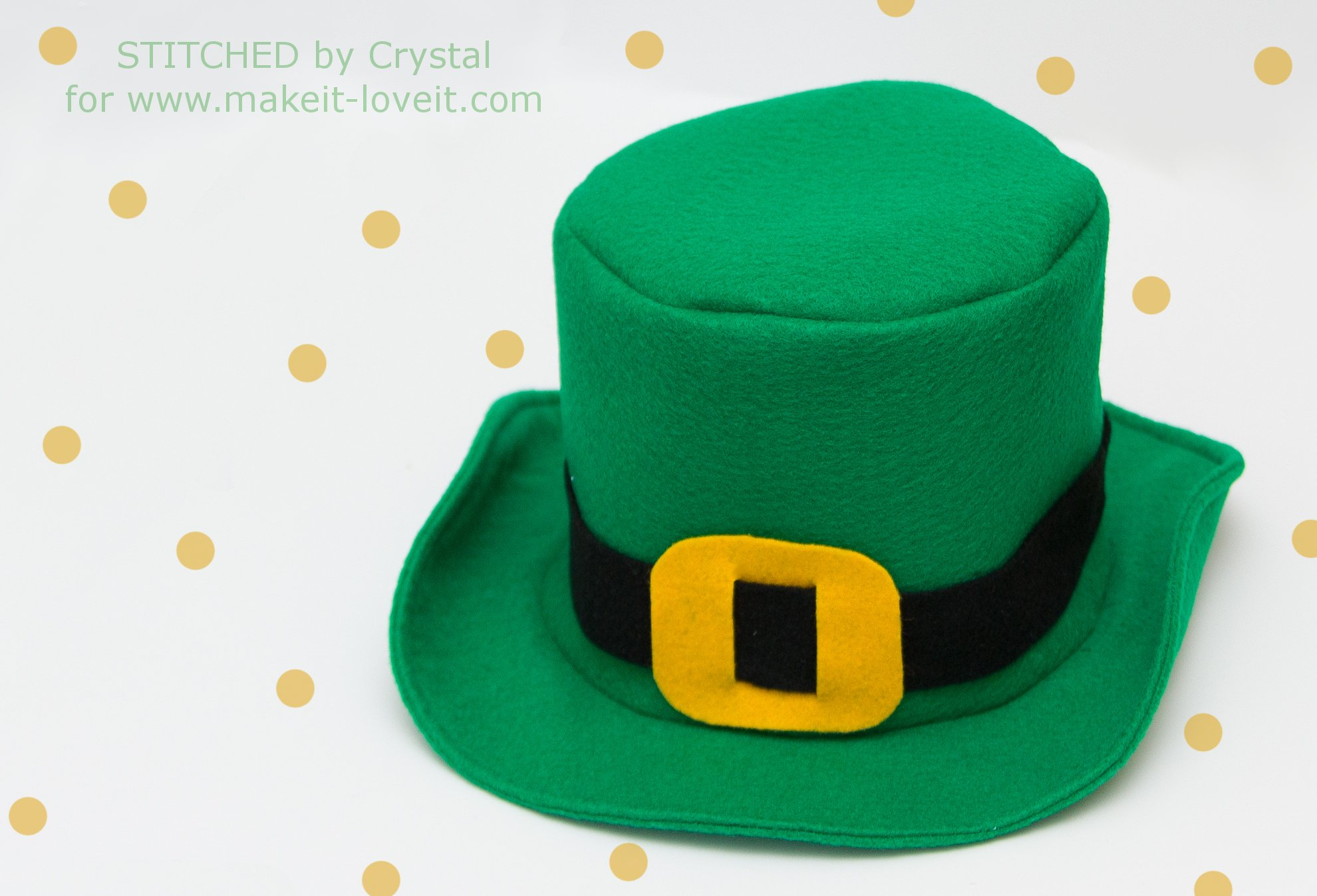 DIY Fabric Top Hat...with free pattern | via Make It and Love It